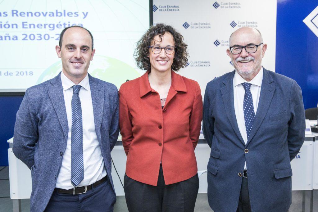 Arcadio Gutierrez (Director Enerclub), Valvanera Ulargui (Directora Oficina de Cambio Climático) and Mikel González-Eguino (BC3)